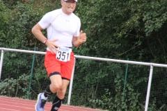 Volkslauf _ 2018 _ 11 _ Läufer zurück im Stadion _ (140)