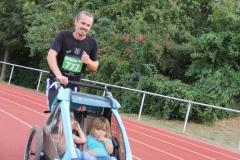 Volkslauf _ 2018 _ 11 _ Läufer zurück im Stadion _ (152)