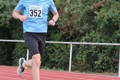 Volkslauf _ 2018 _ 11 _ Läufer zurück im Stadion _ (208)