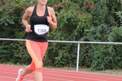 Volkslauf _ 2018 _ 11 _ Läufer zurück im Stadion _ (259)