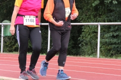 Volkslauf _ 2018 _ 11 _ Läufer zurück im Stadion _ (325)