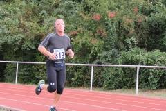 Volkslauf _ 2018 _ 11 _ Läufer zurück im Stadion _ (366)