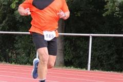 Volkslauf _ 2018 _ 11 _ Läufer zurück im Stadion _ (367)