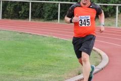 Volkslauf _ 2018 _ 11 _ Läufer zurück im Stadion _ (372)