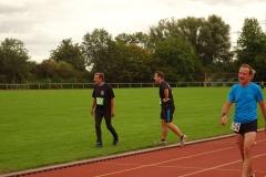 Volkslauf _ 2018 _ 11 _ Läufer zurück im Stadion _ (400)