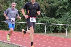 Volkslauf _ 2018 _ 11 _ Läufer zurück im Stadion _ (429)